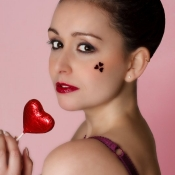 Cute_valentines_girl_makeup